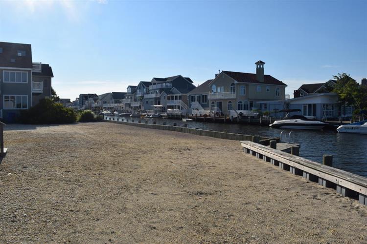 445 Harding Avenue, Ortley Beach, NJ - USA (photo 4)