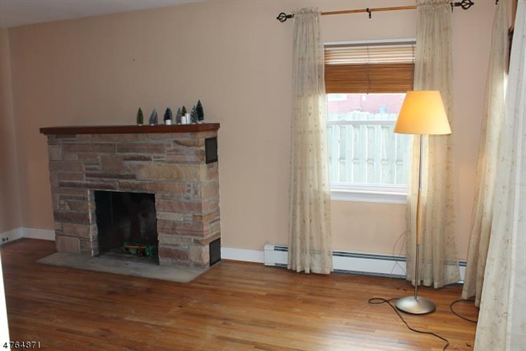 29 Cottage St, Lambertville, NJ - USA (photo 5)