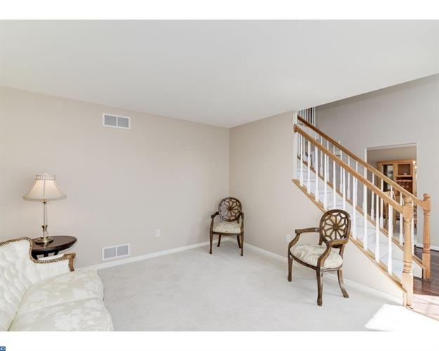 814 Brant Drive, New Castle, DE - USA (photo 2)