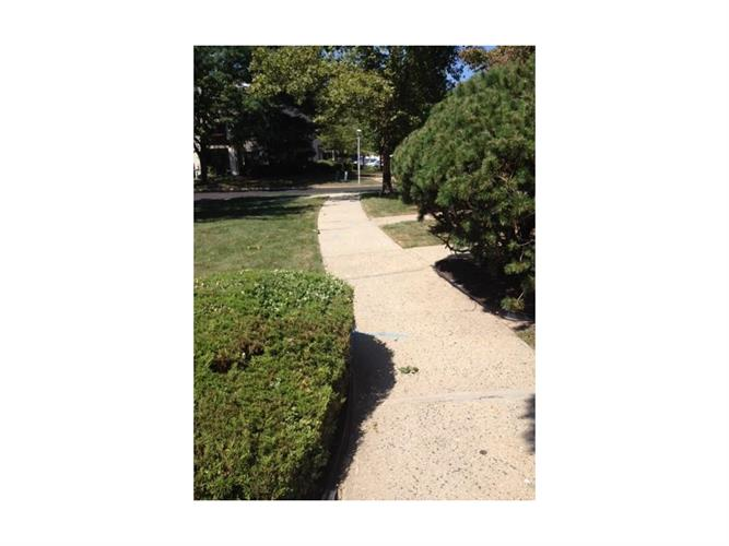 1503 Pebble Place 1503, Sayreville, NJ - USA (photo 2)