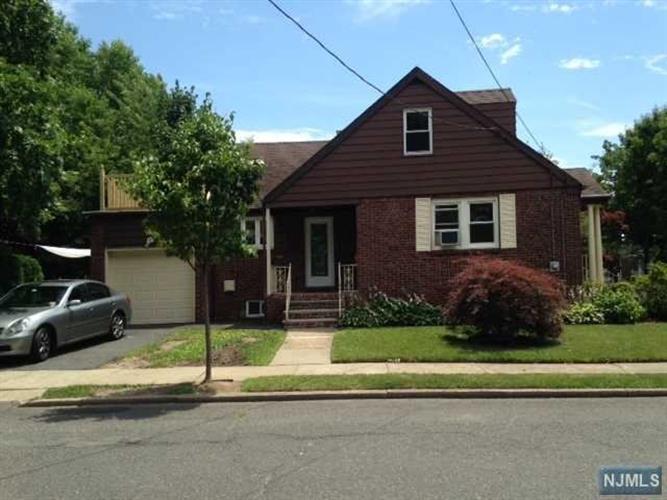3-33 Cyril Ave, Fair Lawn, NJ - USA (photo 2)