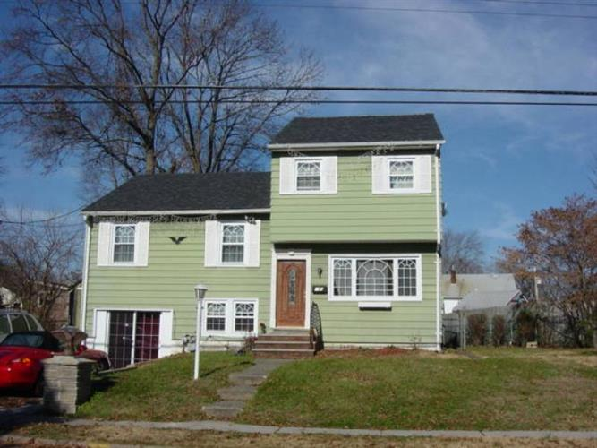 235 Maple Ave, Pompton Lakes, NJ - USA (photo 1)