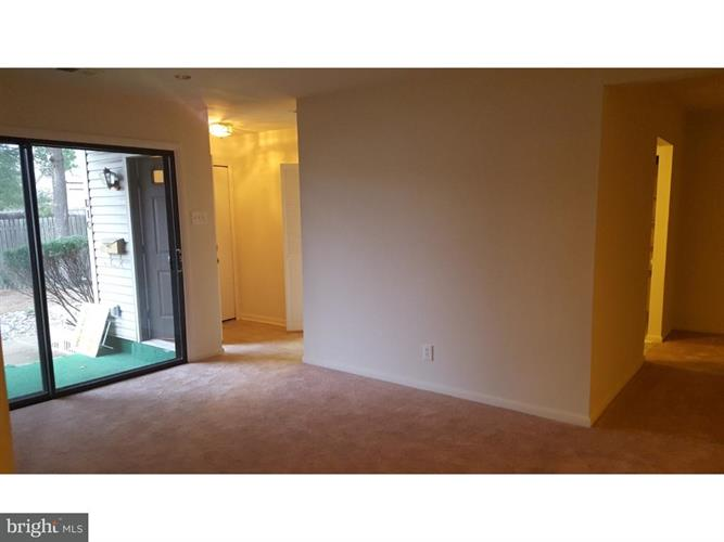 1475 Mount Holly Road D10, Edgewater Park, NJ - USA (photo 3)
