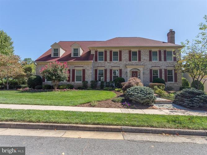 10305 Greenwood Place, Oakton, VA - USA (photo 1)