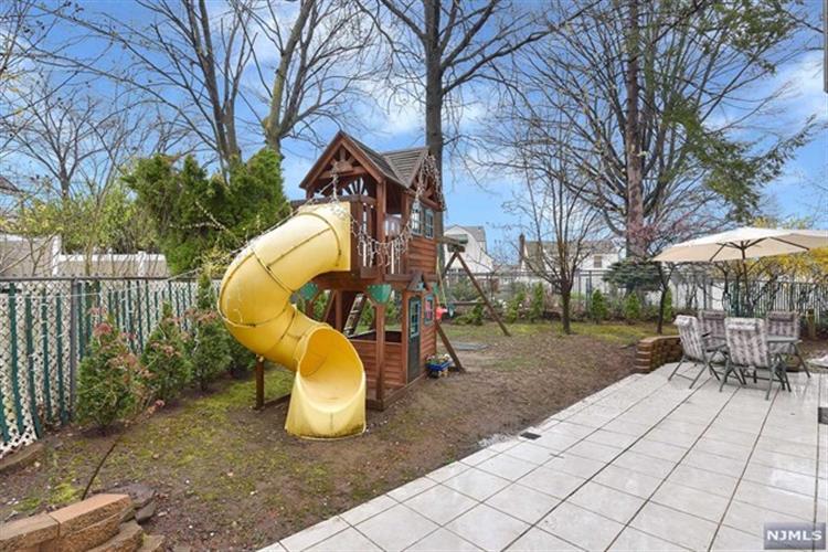 1034 Van Houten Avenue, Clifton, NJ - USA (photo 3)