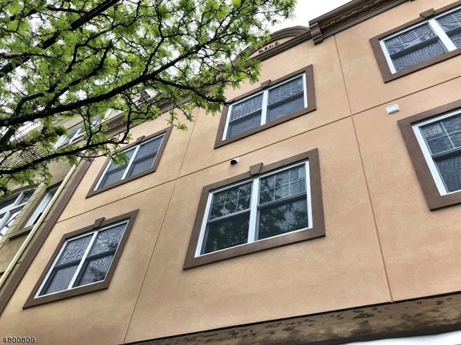 240 Parker Ave Unit 1 1, Clifton, NJ - USA (photo 1)