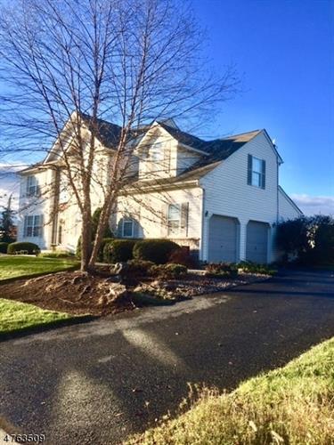 805 Blue Spruce Ln, Easton, PA - USA (photo 3)