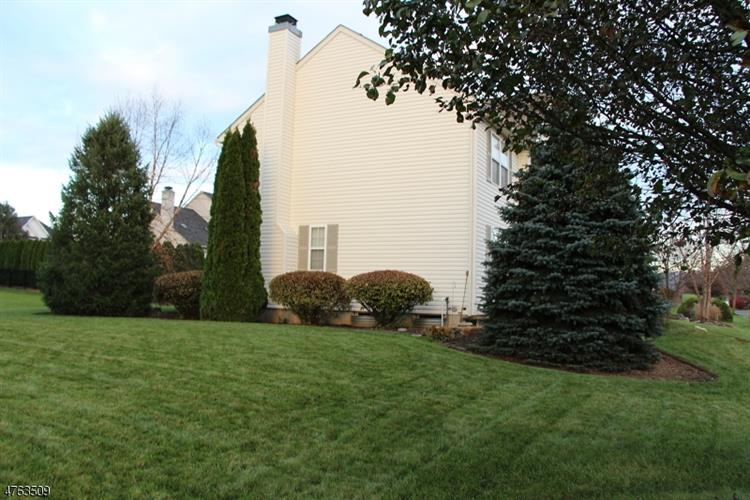 805 Blue Spruce Ln, Easton, PA - USA (photo 5)