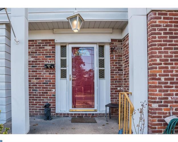 2111 Chestnut Hill Dr, Cinnaminson, NJ - USA (photo 3)