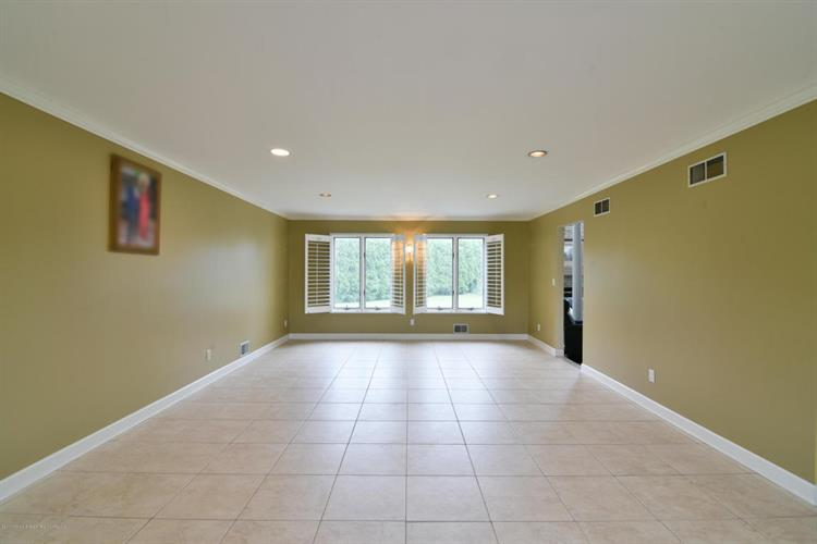 41 Desai Court, Freehold, NJ - USA (photo 2)