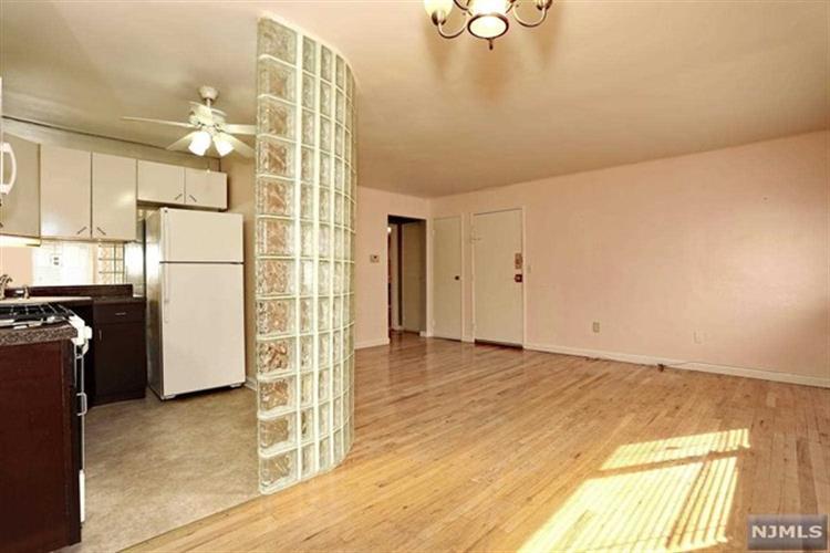 7000 Cottage Ave A107, North Bergen, NJ - USA (photo 5)