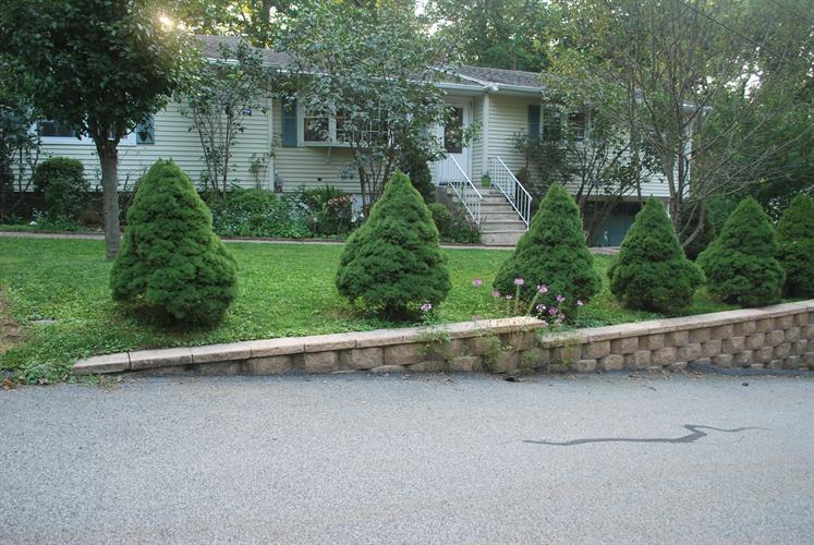 12 Sycamore Road, Bloomingdale, NJ - USA (photo 1)