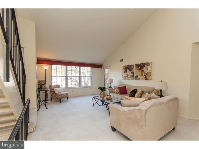 1304 Valley Glen Road 206, Elkins Park, PA - USA (photo 5)