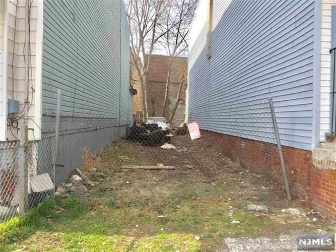 467 Bergen Avenue, Jersey City, NJ - USA (photo 1)