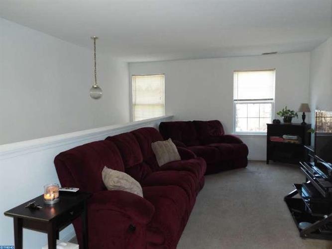 16 Manor Dr, Burlington Township, NJ - USA (photo 3)
