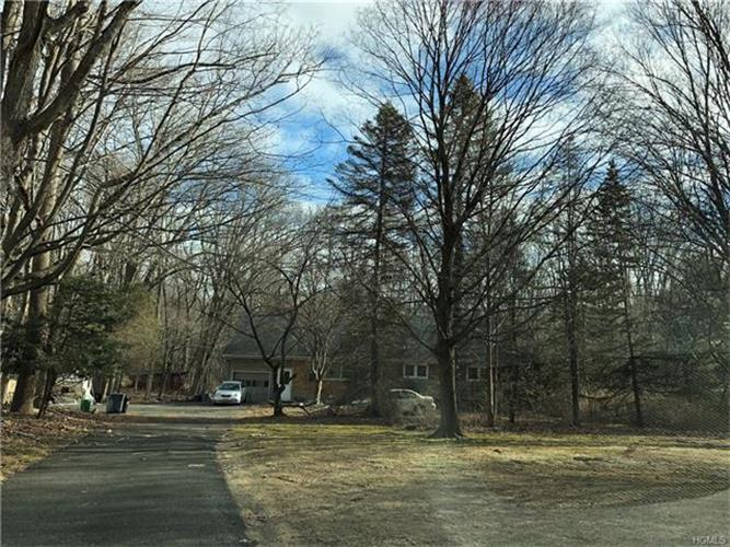 198 Summit Park Road, Spring Valley, NY - USA (photo 2)