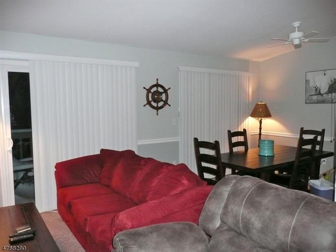 404 Spruce Hills Dr, Glen Gardner, NJ - USA (photo 4)