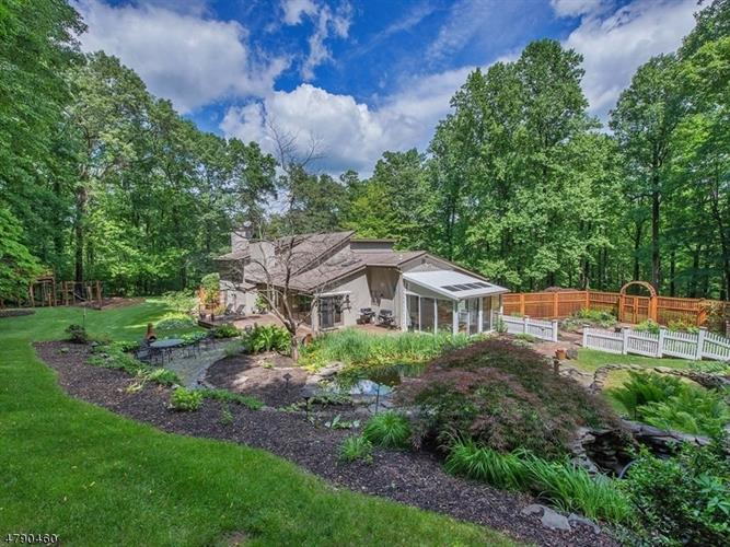 27 Chester Woods Dr, Chester, NJ - USA (photo 3)