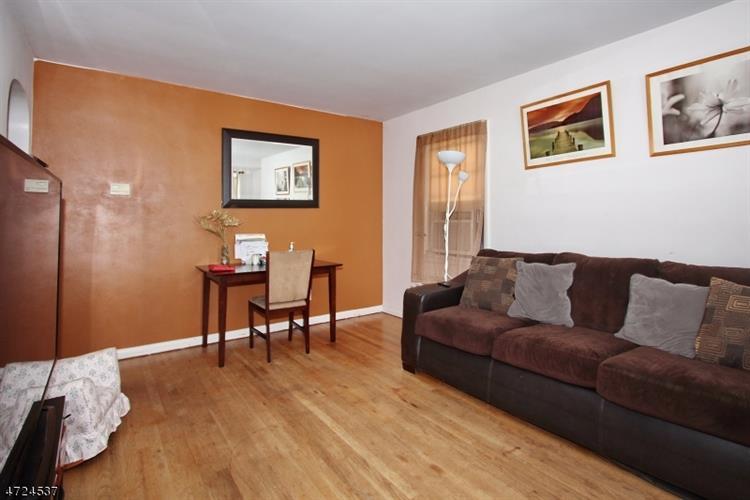 525 Maple Ave, Linden, NJ - USA (photo 5)
