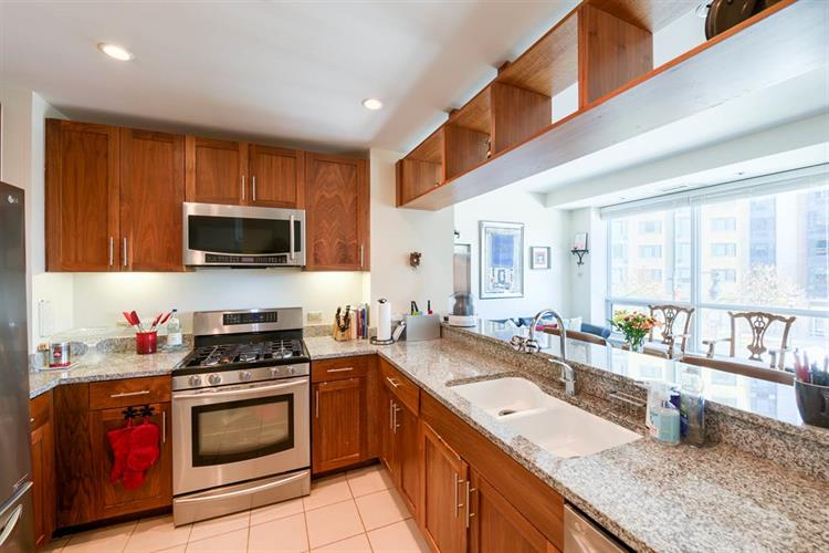 20 Newport Parkway, Unit 315 315, Jersey City, NJ - USA (photo 5)