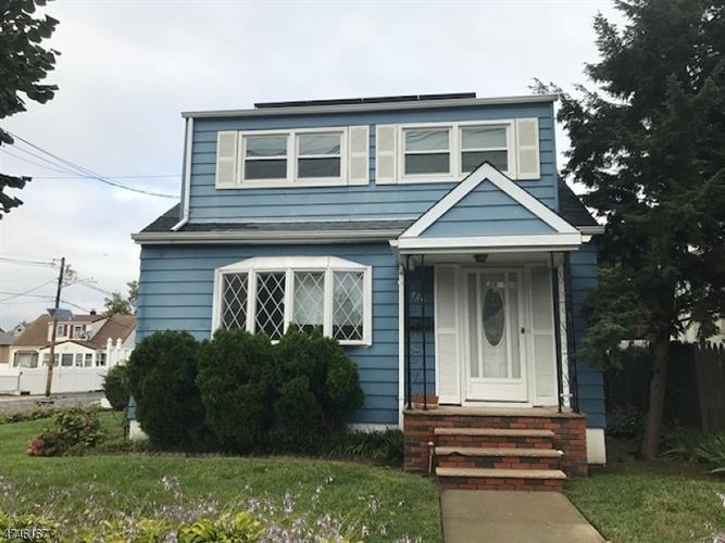 726 Roosevelt Ave, Carteret, NJ - USA (photo 1)