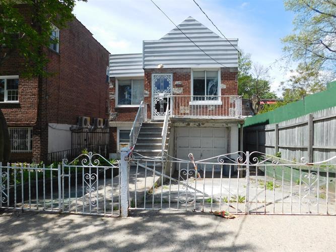 3215 Pearsall Ave, Bronx, NY - USA (photo 2)
