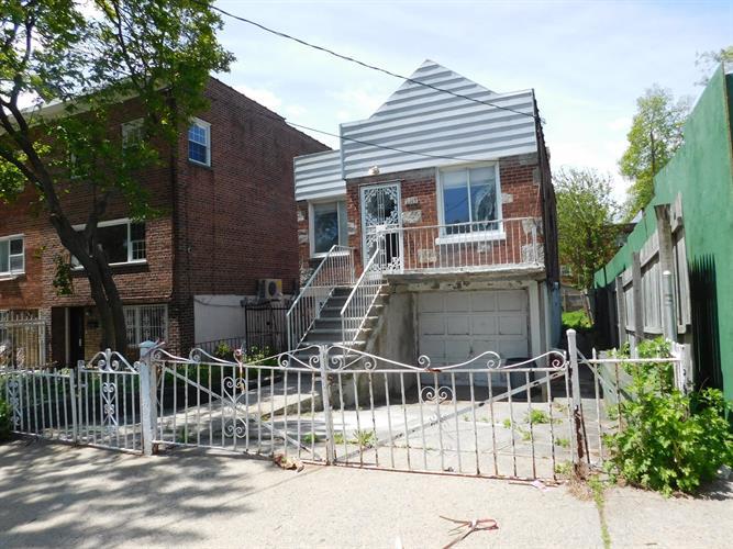 3215 Pearsall Ave, Bronx, NY - USA (photo 3)