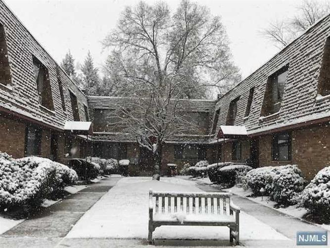 162 Diamond Bridge Avenue, Unit #5 5, Hawthorne, NJ - USA (photo 1)