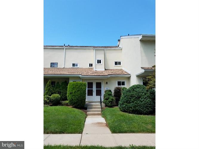 702 Grant Road, Lansdale, PA - USA (photo 1)