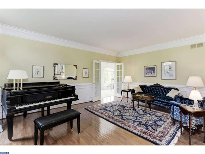 323 Constitution Dr, Collegeville, PA - USA (photo 4)
