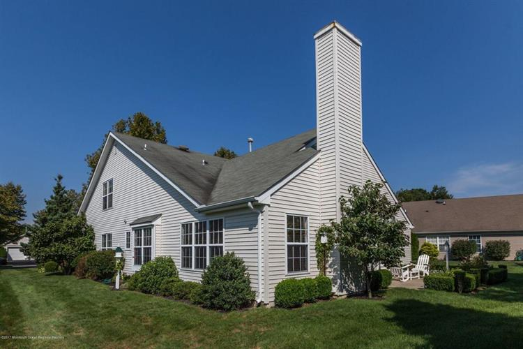 3 Schoolhouse Court, Lakewood, NJ - USA (photo 1)