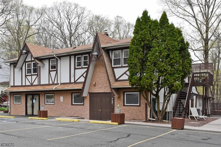 393 Maxim Dr, Hopatcong, NJ - USA (photo 1)