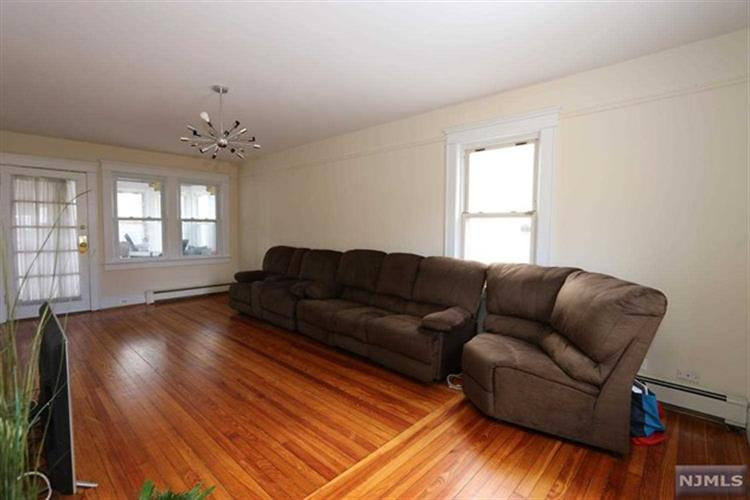 423 Washington Terrace, Leonia, NJ - USA (photo 2)