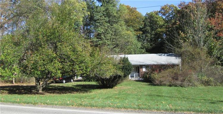 44 Campbell Avenue, Airmont, NY - USA (photo 1)