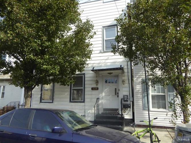124 71st St 1, Guttenberg, NJ - USA (photo 1)
