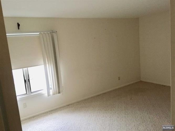 333 Liberty Street, Unit 9 9, Little Ferry, NJ - USA (photo 4)