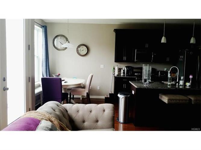 19 Meadow View Drive, Middletown, NY - USA (photo 4)