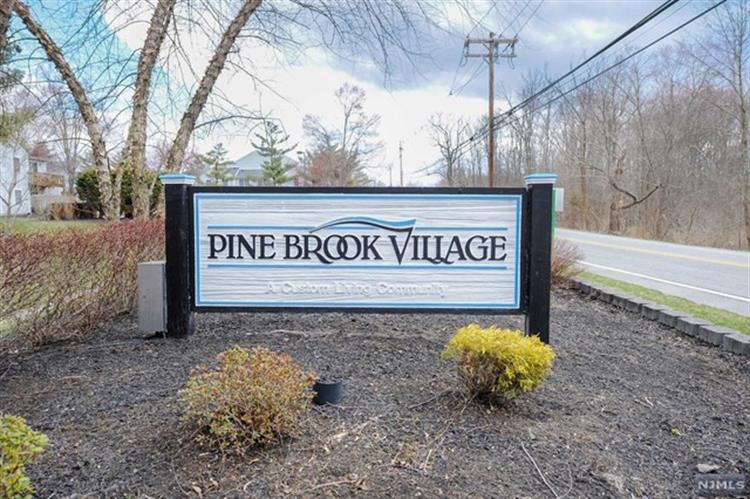 24 Stonyridge Drive, Lincoln Park, NJ - USA (photo 1)
