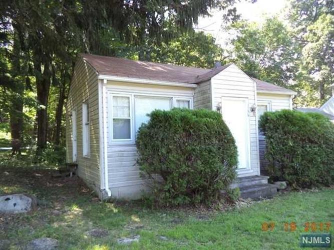 136 Papscoe Rd, West Milford, NJ - USA (photo 1)