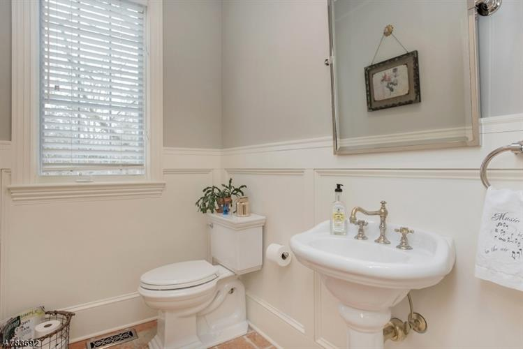 7 Barberry Row, Chester, NJ - USA (photo 4)