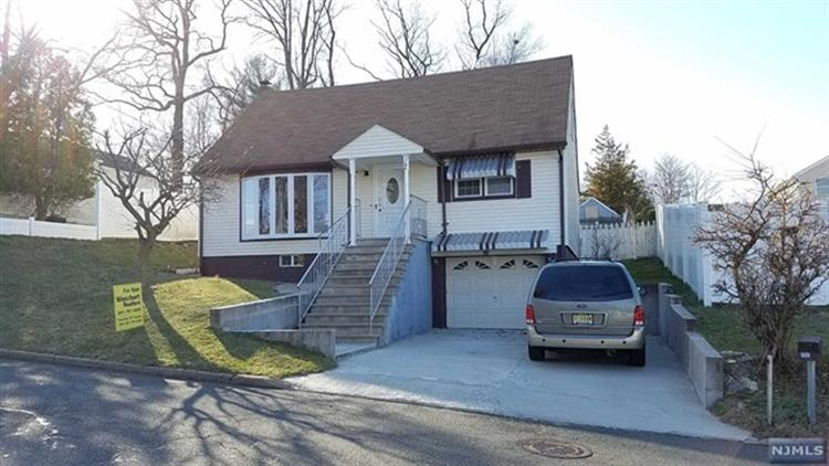 144 Carver Ave, Westwood, NJ - USA (photo 2)