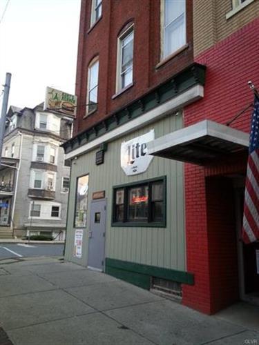 670 Main Street, Slatington, PA - USA (photo 1)