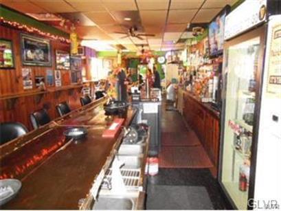 670 Main Street, Slatington, PA - USA (photo 3)