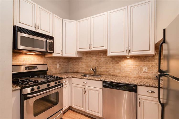 518 Gregory Ave, Unit A420 A420, Weehawken, NJ - USA (photo 1)