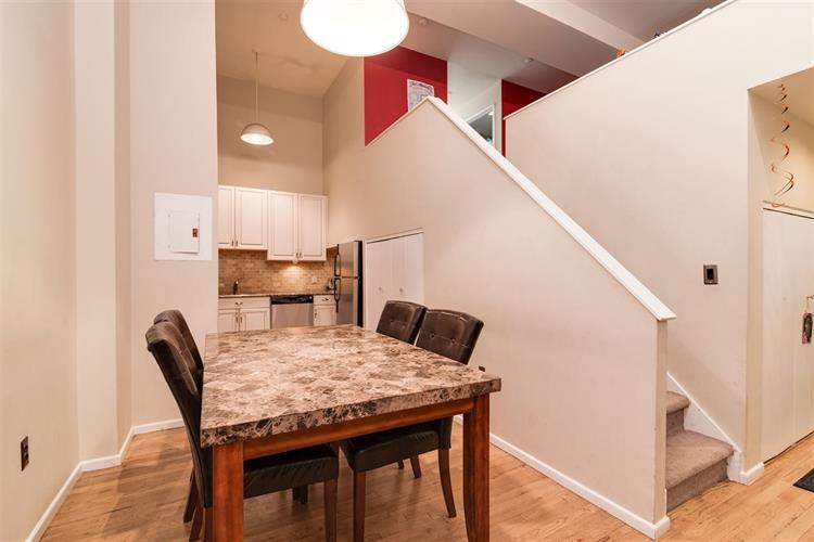 518 Gregory Ave, Unit A420 A420, Weehawken, NJ - USA (photo 2)