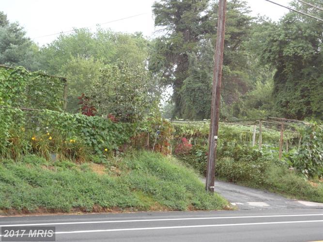 3251 Annandale Rd, Falls Church, VA - USA (photo 2)