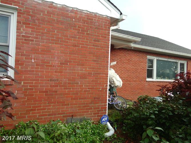 3251 Annandale Rd, Falls Church, VA - USA (photo 3)