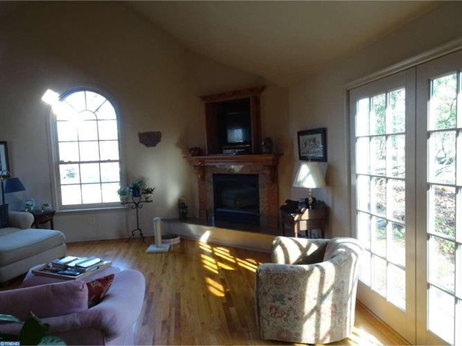 634 Valley View Ln, Wayne, PA - USA (photo 3)