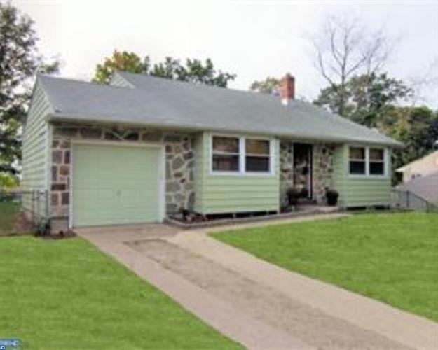 306 Sussex Dr, Lindenwold, NJ - USA (photo 1)