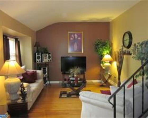 306 Sussex Dr, Lindenwold, NJ - USA (photo 2)